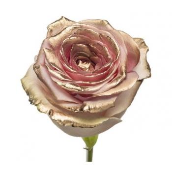 Boeket van roze grootbloemige Rozen met gouden blos