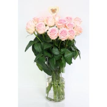 Licht roze Rozen boeket van grootbloemige Rozen